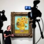 Photo of live streaming Van Gogh's Sunflowers